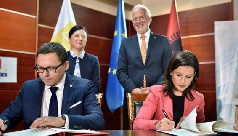 SHQIPËRIA ANËTARËSOHET NË EUROJUST/ Gjonaj: Nivel i ri bashkëpunimi me vendet e BE-së