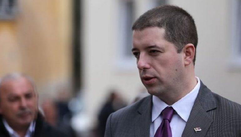 ALBIN KURTI UJK ME LËKURË QENGJI/ Marko Gjuriq: Serbët do të largohen nga institucionet e Kosovës