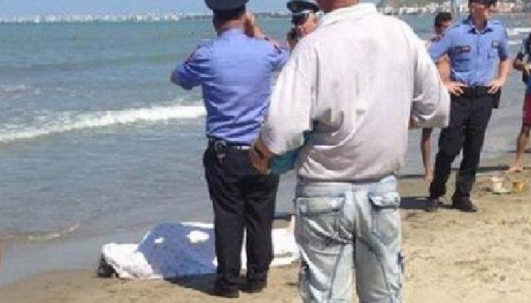 E RËNDË/ Gjendet një trup i pajetë në detin e Durrësit, nxirret në breg nga një peshkarexhë