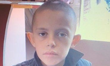 """DASHURIA FAMILJES TJETËRSON ALVININ/ 11-vjeçari ndryshon """"look"""" dhe duket kaq i bukur"""