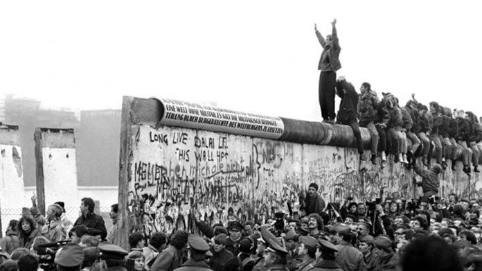 MURI I BERLINIT/ Të ruajtura si monumente…