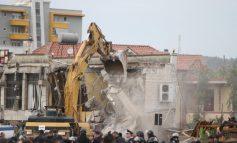 """PËRPLASJA TEK """"ASTIRI""""/ Policia jep të dhënat zyrtare: 26 të proceduar për sulmin me gurë, sende të forta dhe bomba molotov"""