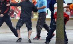 SHERR PËR ARKAT/ Tregtarët në Elbasan përleshen me njëri-tjetrin, 45-vjeçari përfundon në spital (EMRAT)