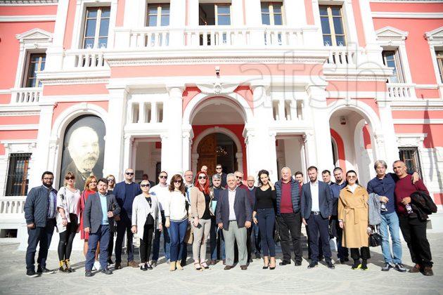 ËSHTË E PABESUESHME/ Drejtuesit e lajmeve në Ballkan mrekullohen nga bukuria e Vlorës: E transformuar…