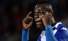 PLAS TEK KLUBI ITALIAN/ Balotelli kapet me trajnerin Groso, sulmuesi italian merr makinën dhe…