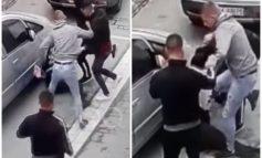 PAMJE TË RENDA/ Tre të rinj dhunojnë barbarisht 30-vjeçarin kamarier në Berat. E lënë pa ndjenja dhe...