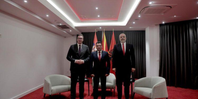 """""""MINISHENGENI BALLKANIK""""/ Rama takohet me Zaev dhe Vuçiç në Samitin e Ohrit"""
