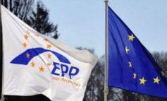 APROVON REZOLUTËN/ PPE: Sa më shpejt vendim pozitiv për negociatat me Shqipërinë
