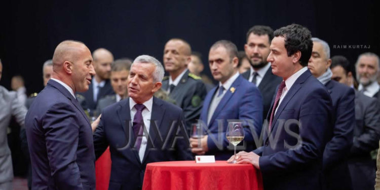 FESTA E PAVARËSISË/ Kurti-Haradinaj, takimi i parë në Pritjen Kombëtare të Shqipërisë