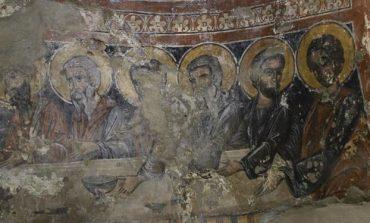 """NË BALLDRE TË LEZHËS/ Restaurohet kisha që ka qartësisht """"Darkën e Fundit"""""""
