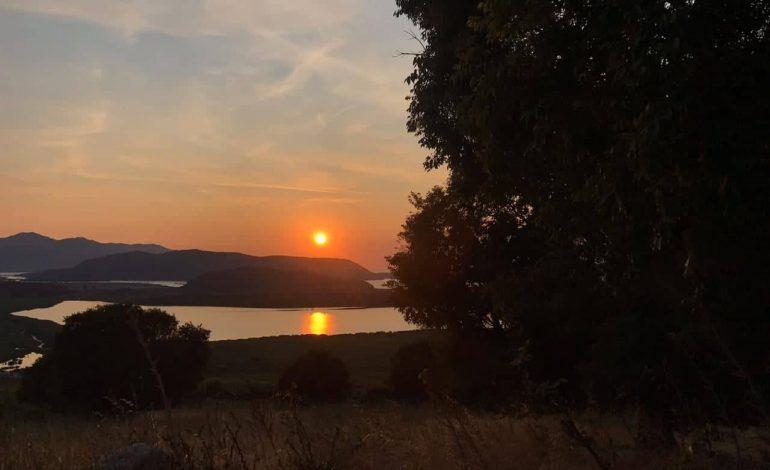 PAMJET E MREKULLUESHME/ Kur perëndon në Liqenin e Butrintit
