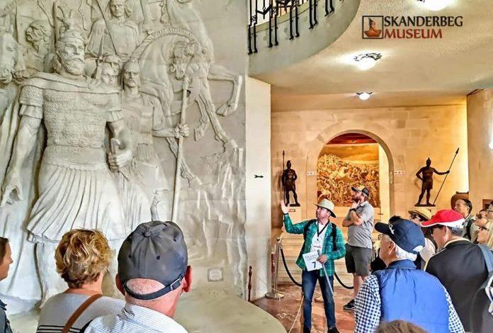 FLUKS TURISTËSH/ Kruja vizitohet nga mbi 100 mijë vizitorë për 10 muaj