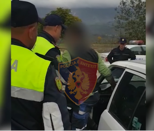 E PËSOJNË SHOFERAT/ Policia pezullon 98 leje drejtimi me qëllim vendosjen e sigurisë në vend