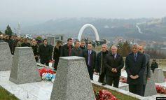 DEKLARATA E VUÇIÇIT/ Thaçi: Serbia të kërkojë falje për krimet e luftës në Kosovë