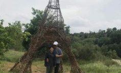 FOTOLAJM/ Kur burri të premton që do të çojë në Paris!