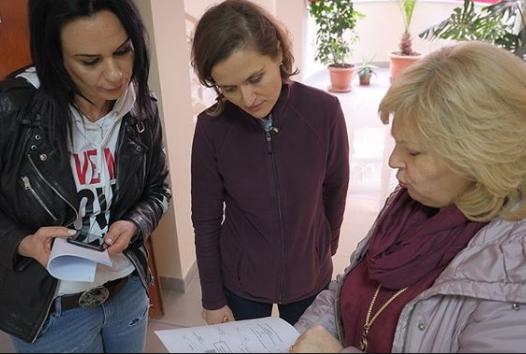 """POST TËRMETI/ Ministrja Shahini në shkollën """"4 Dëshmorët"""": Mësuesit, plan për dalje emergjente të nxënësve në rast rreziku"""