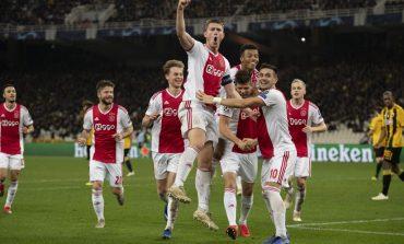 """TRIUMFOJNË KAMPIONËT E HOLANDËS/ Ajax luan """"tenis"""" dhe e mbyll vitin në krye i vetëm"""