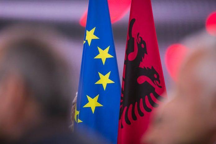 """""""NEW YORK TIMES""""/ BE do jetë në krye të rimëkëmbjes së Shqipërisë"""