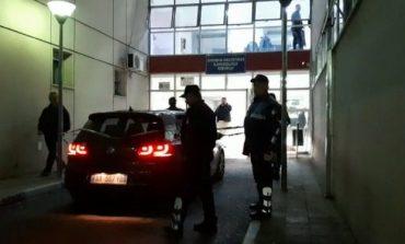 """""""ZGJOHU SE S'KE BËRË ASGJË""""/ Ulërimat rrëqethëse të familjarëve të 26-vjeçarit që u ekzekutua në Peqin"""