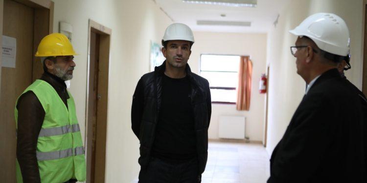 INSPEKTIMI/ Veliaj vendos helmetën: 90% e shkollave, kopshteve dhe çerdheve nuk janë dëmtuar