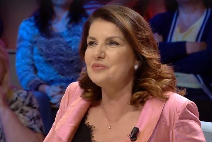"""""""ÇFARË…ÇFARË""""/ Rajmonda Bulku: Po xhiroja në skenë kur mora vesh vdekjen e Xhevdet Ferrit, na shokoi…"""
