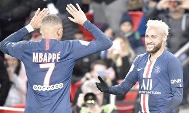 NDODH EDHE KJO/ PSG në fushë, Mbappe dhe Neymar hanë në stol (VIDEO)
