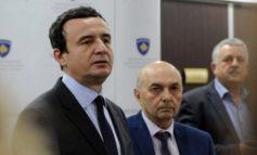 SHPRESA E KOALICIONIT QEVERISËS TEK NDËRKOMBËTARËT/ Takimi Kurti-Mustafa në prani të ambasadorëve të huaj