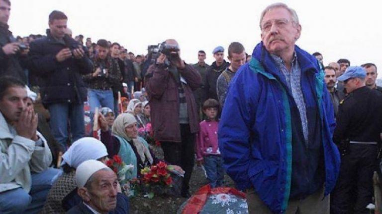 """""""AI E DI SE ÇFARË NDODHI NE REÇAK""""/ Ish-shefi i misionit të OSBE-së në Kosovë: Vuçiç është politikan i llojit të…"""