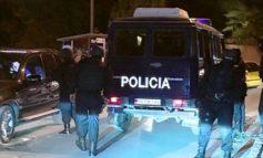 """AKSIONI """"BLIC"""" NË ELBASAN/ RENEA, FNSH dhe Shqiponjat """"rrethojnë"""" qytetin"""