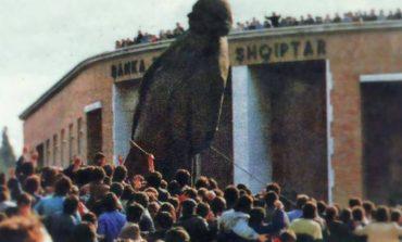 """E PATHËNA/ Koiçidenca """"mistike"""" e 20 shkurtit '91: Kur binte Enveri dhe ringrihej Komuniteti Musliman"""