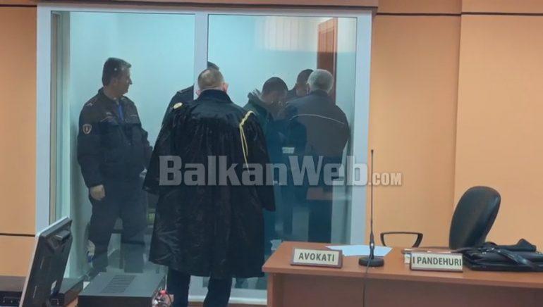 NUK I NDALOI PATRULLAVE DHE PLAGOSI 4 PERSONA/ Gjykata e Elbasanit lë në burg pa afat Aldorin Shehu