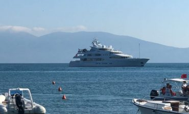 NGA JAHTET E KROÇERËT TEK MOTORËT E UJIT/ Çfarë parashikon ligj i ri për të rregulluar aktivitetin turistik detar