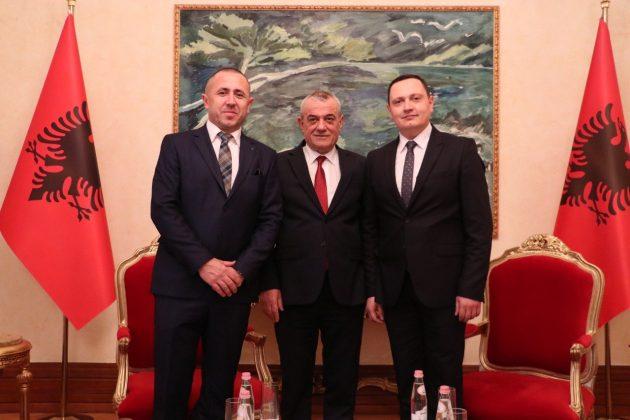 RESPEKTIMI I TË DREJTAVE TË SHQIPËTARËVE NË SERBI/ Ruçi takim me përfaqësues të komunave të Preshevës dhe Bujanovcit