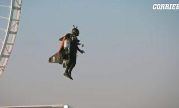 """ARRITJE E RE PËR """"JETMAN""""/ Piloti ngjitet deri në 1.8 kilometra në qiellin e Dubait (VIDEO)"""