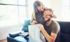 PAS SHËN VALENTINIT/ Shtatë dhuratat më të çuditshme që njerëzit kanë marrë