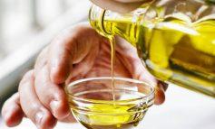 NJË LËKURË E BUTË.../ Si të përdorni vajin e ullirit për një shëndet më të kuruar