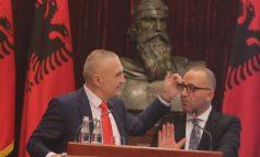 FAKSIMILE/ Këshilltari ligjor i Metës u arrestua për shpërdorim detyre në 2012-n, sot ligjëron për Kushtetutën