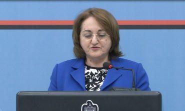 """""""MOS PËRHAPNI PANIK!"""" Zv/Ministrja Rakacolli: Karantina strukturë që ploteson standardet, mos bëni politikë me koronavirusin"""
