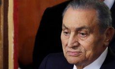 SHUHET ISH-PRESIDENTI I EGJIPTIT/ Sundoi për 3 dekada, lideri i parë që bëri burg për vrasjen e mbi 200 protestuesve