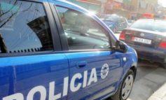 ISHTE NË KËRKIM NGA POLICIA/ Kishte mashtruar tre persona dhe iu kishte marrë paratë, arrestohet i riu në Sarandë