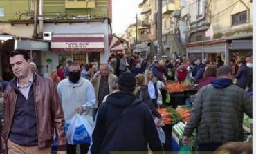 """HUMORI NË RRJET/ Ja kush po e """"shpërndan"""" koronavirusin në Shqipëri"""