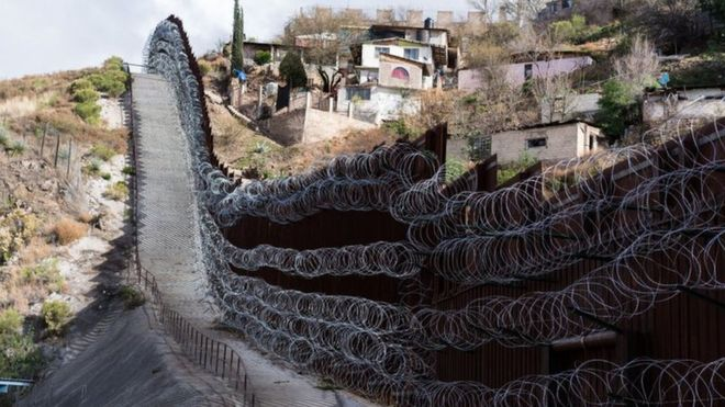 E PABESUESHME AJO QË NDODH/ Meksikanët mbyllin pikat kufitare: Jo amerikanëve, kanë KORONAVIRUS