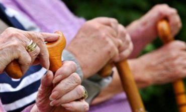 KORONAVIRUSI/ Pensionet pranë vendbanimeve. Ministria e Ekonomisë bashkëpunim me bankat