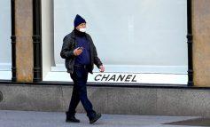 KORONAVIRUSI/ Tani, edhe Chanel prodhon maska dhe kostume mbrojtëse
