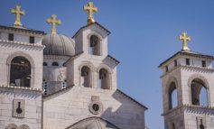 KORONAVIRUSI/ Mali i Zi ndalon priftin për shkelje të masave për COVID-19