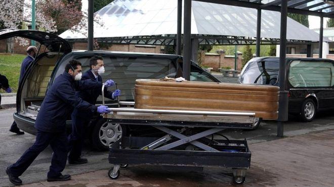 PISTA E PATINAZHIT KTHEHET NË MORG/ Mjekja shqiptare tregon situatën alarmante në Spanjë