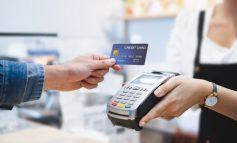 KORONAVIRUSI/ Mjeku këshillon larjen e kartave bankare një herë në javë për të ndaluar përhapjen e COVID-19
