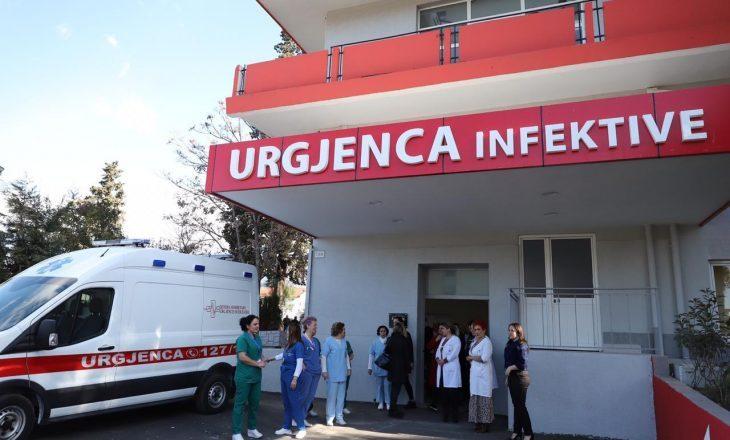 KORONAVIRUSI/ Tre persona të dyshuar me Covid-19 në Durrës dërgohen drejt Spitalit Infektiv
