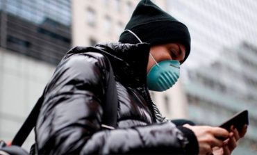 KORONAVIRUSI/ Frika nga Covid-19: Si t'i pastrojmë celularët?