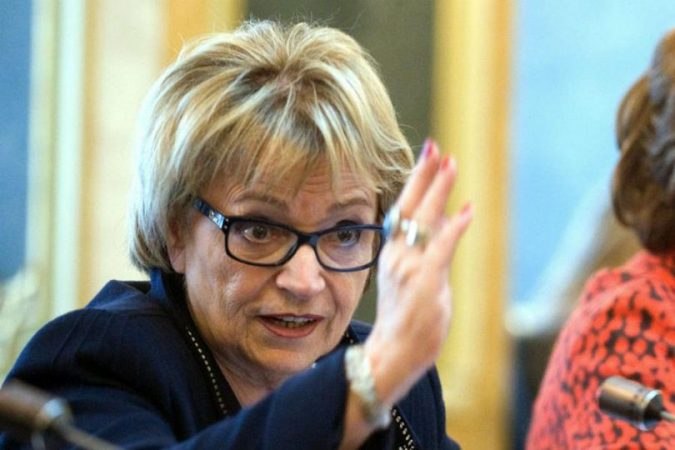 RRËZIMI I QEVERISË KURTI/ Ish-europarlamentarja Pack: E pafalshme, Kosova tani është në kaos